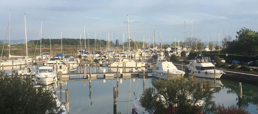 Schiffe im Hafen von Grado
