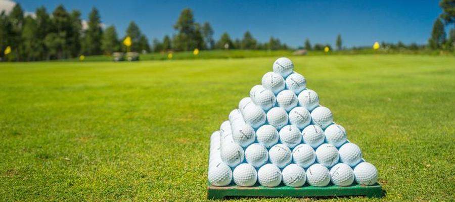 Golfpyramide Abschlag